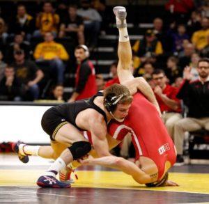Hawks to wrestle Edinboro at National Duals Saturday ...